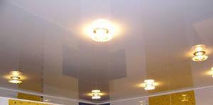 Особенности светильников для натяжных потолков