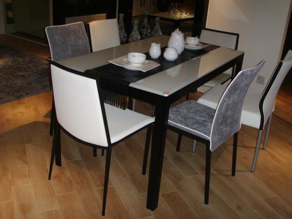 Кухни с барным столом