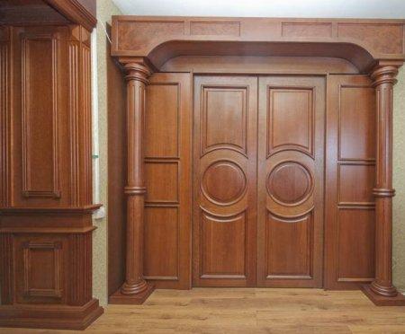 Деревянные двери в тренде
