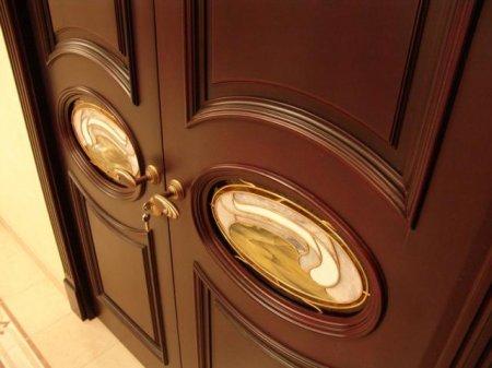 Как правильно укомплектовать входную дверь
