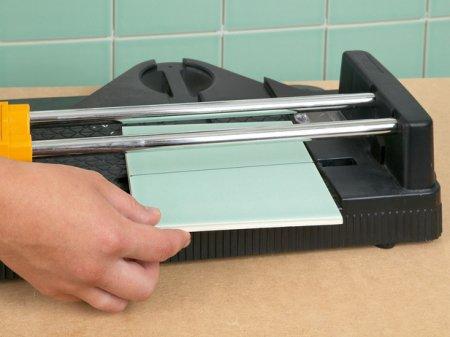 Как и чем резать плитку?