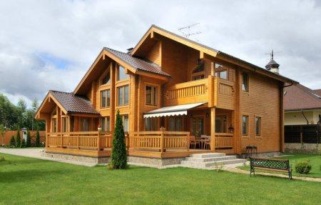 Дом из дерева - когда лучше возводить?