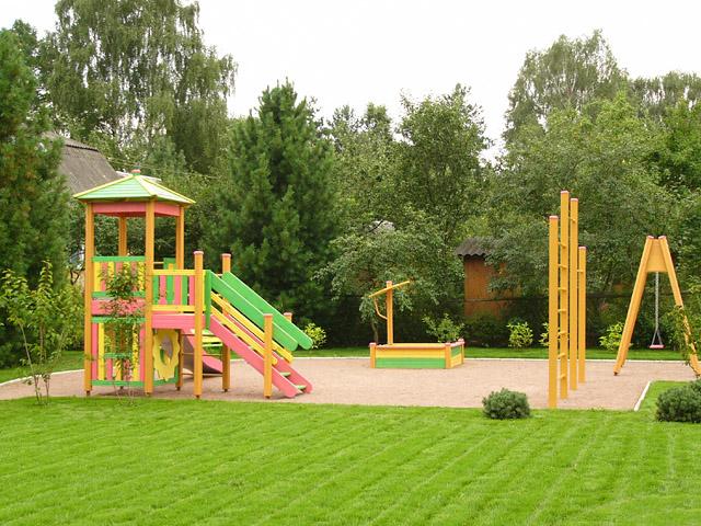 Как оборудовать площадку для детей