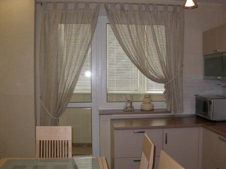 Оформление окна в кухне