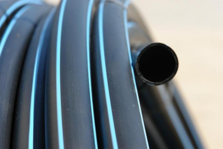 Водопроводные полиэтиленовые трубы их фасованные части