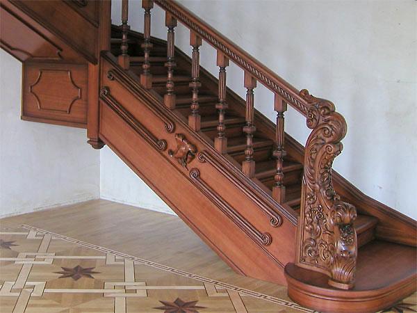 Фото ремонт лестниц с декоративной отделкой
