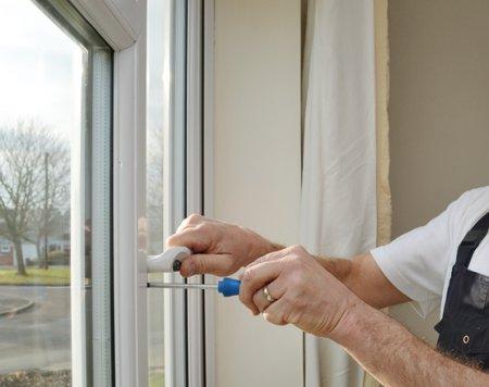 Профессиональный ремонт ПВХ окна