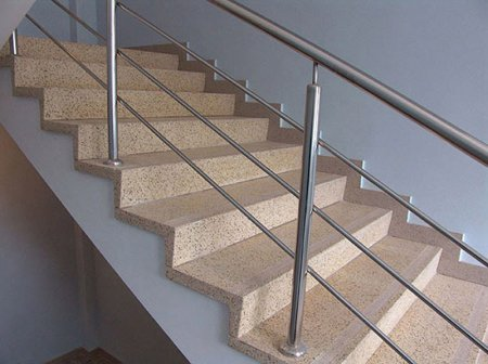 Преимущества лестничных ступеней из камня