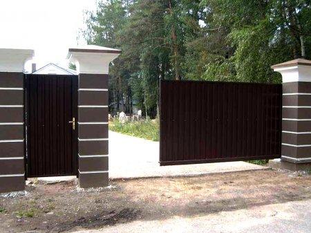 Преимущества откатных автоматических ворот и материал изготовления
