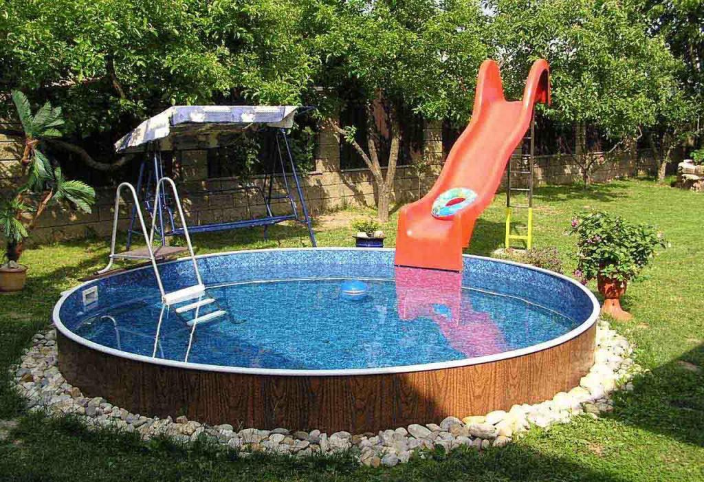 Небольшой бассейн для дачи своими руками
