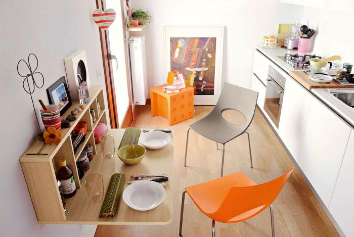 Пластиковые стулья для дома или квартиры