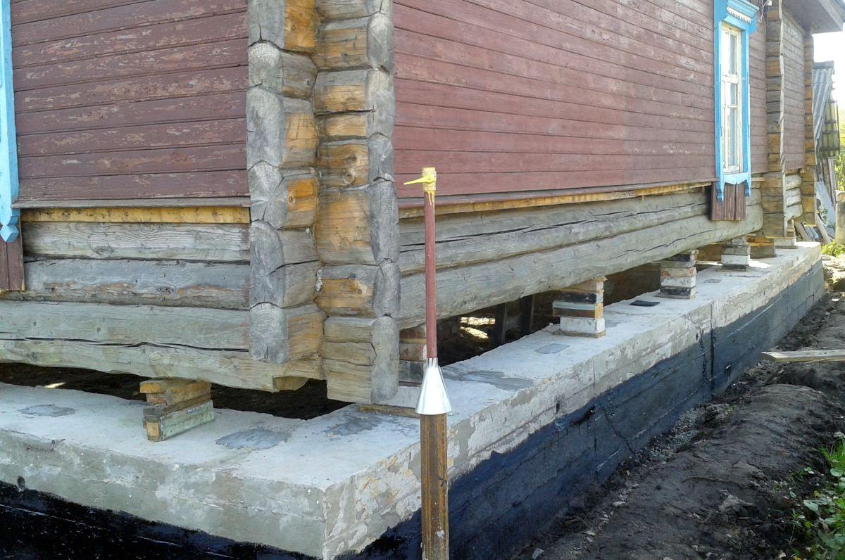 Укрепление фундамента деревянного дома